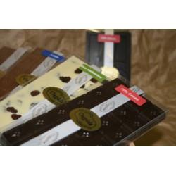 Tavoletta di cioccolato fondente con grue di cacao 100 gr.